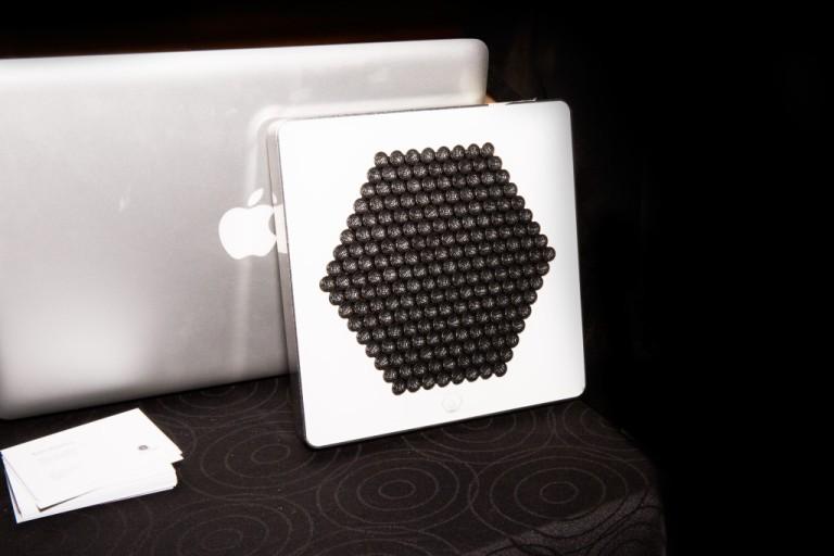 Narrow speaker 03